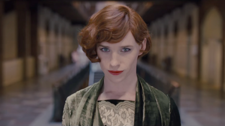 """The Danish Girl, l'ammissione di Eddie Redmayne: """"E' stato imbarazzante"""""""