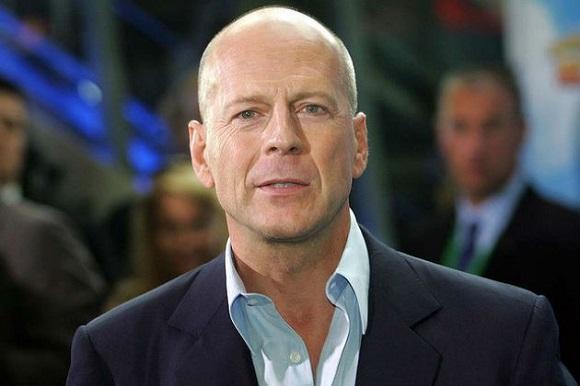 Recensioni negative per Bruce Willis dopo la sua performance in Midnight in the Switchgrass